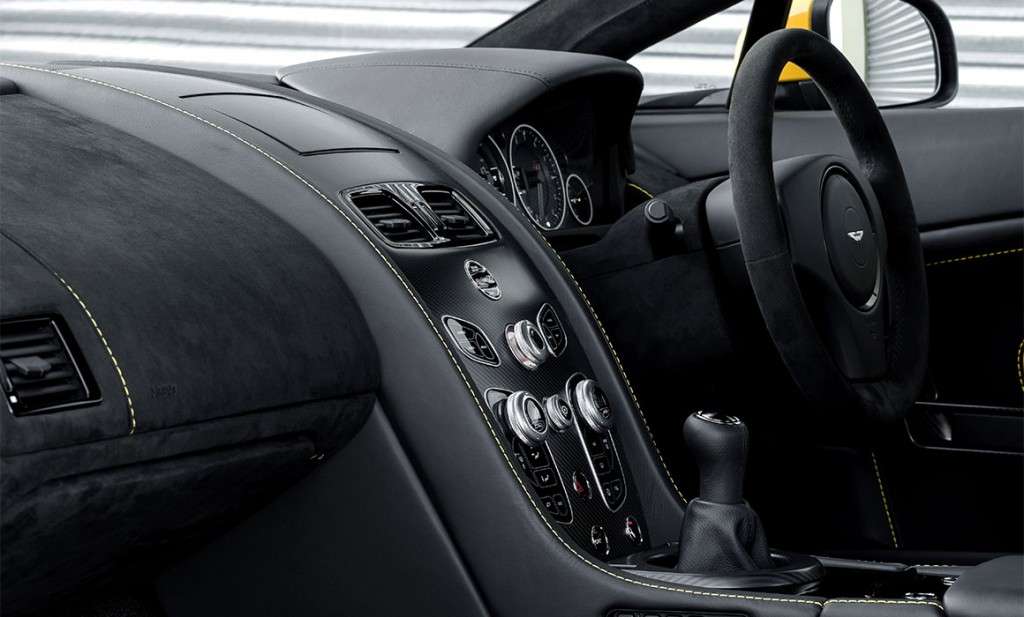 v12-vantage-s-manual-inside