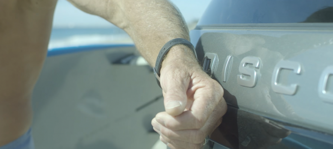 Land Rover make a surfing video to show off the tech features in the All New Discovery